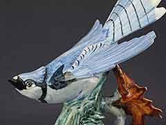 Product photo #100_8711 of SKU 21004010 (STANGL Bluejay #3716 Blue Jay with Leaf, Bird Figurine)